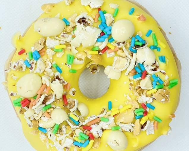 9. Donut Mix Club Kelly