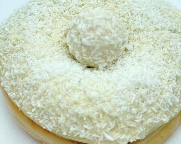 7. Donut de Raffaello